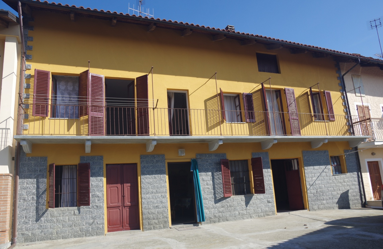Foto 1 di Casa indipendente STRADA COSTE, Castagneto Po