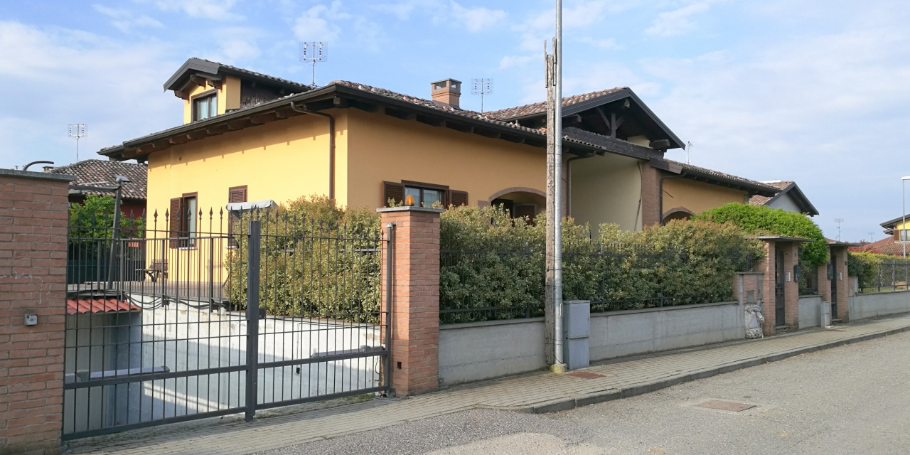 Foto 1 di Casa indipendente VIA LUIGI EINAUDI, Torrazza Piemonte